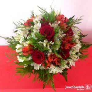 Rosas y astromelias