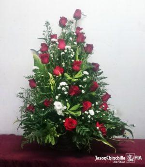 Canasta rústica con rosas