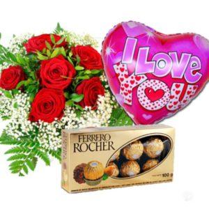 Ramo de rosas con chocolates y globo