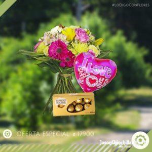 Ramo de flores variadas chocolates y globo