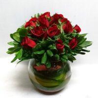 pecera con rosas
