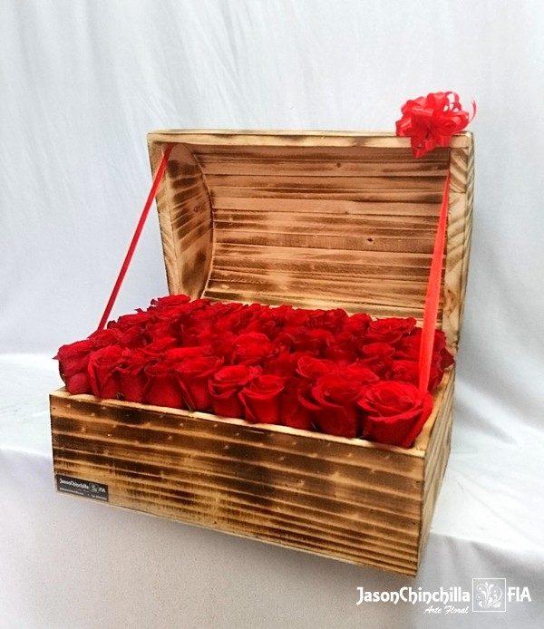 Baul con rosas